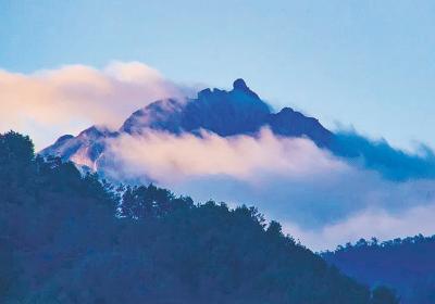 云髻山:绝佳的避暑胜地